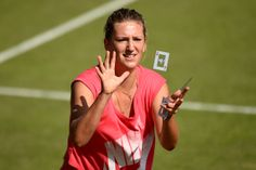 Victoria Azarenka creates some magic with playing cards - Billie Weiss/AELTC