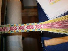 Grindvevd forklebånd Inkle Weaving, Tablet Weaving, Friendship Bracelets, Crossstitch, Dots