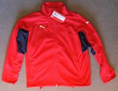 RECALLED: USA V-Konstruct Training Jacket with Pockets model #s 65110201,02,03,04 and 05. old 1/07 to 1/12. Check CPSC for complete information. Stop using jackets immediately. PUMA: 855.351.7489 or productissue@puma.com