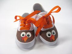 Turkey Shoes or Thanksgiving Sneakers Hand Painted for Baby or Toddler - baby shoes - Kinder Boots Painted Canvas Shoes, Painted Sneakers, Hand Painted Shoes, Canvas Sneakers, Painted Toms, Shoes Sneakers, Thanksgiving Fashion, Thanksgiving Baby, Kid Shoes