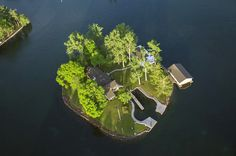 Wake up to the beauty of the Thousand Islands on Belle Island – a brand new private island vacation retreat located in Upstate New York, just minutes away from the US-Canadian border... http://www.vladi-private-islands.de/en/island+rent+belle-island+new-york-state+usa/