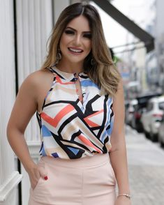 Classy Work Outfits, Creation Couture, Stylish Tops, Blouse Designs, Casual Looks, Beautiful Outfits, Blouses For Women, Fashion Dresses, Plus Size