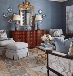 A Georgia Designer's Classic Southern Interiors – Blue and White Home:Maggie Griffin Classic Interior, Cafe Interior, Apartment Interior, Interior Design, Interior Ideas, Interior Logo, Lobby Interior, Interior Plants, French Interior