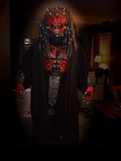 Darth Maul Predator... wooo, this would be kinda crazy.... would totaly kick jedi but!!