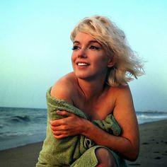 vintage everyday: Beautiful Marilyn Monroe in a Green Towel on Santa Monica Beach in 1962