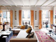 Salón con tres balcones, de la interiorista Aimée Joaristi