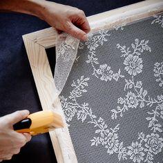 Mach dir deinen Spitzenvorhang doch selbst! - IKEA Deutschland Crafts To Sell, Home Crafts, Diy Home Decor, Diy Crafts, Diy Hacks, Shabby Chic Furniture, Diy Furniture, Painted Furniture, Furniture Design