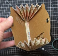 books papers and things This tutorial will enable you to create a basic expanding tag mini album ready for you to decorate in the paper of your choice. Mini Albums, Mini Album Scrap, Mini Scrapbook Albums, Scrapbook Cards, Graphic 45, Book Making, Card Making, Tutorial Scrapbook, Mini Album Tutorial