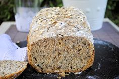 Pan Integral de Semillas y Yogur
