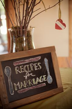 asks guests to leave their secret recipes for a successful marriage / absolutely love this idea #fave
