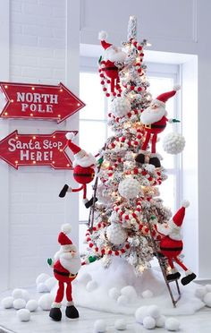 Such a cute Christmas tree decorating idea. The 2016 RAZ Christmas Tree images are ready for viewing. The RAZ designers do such a wonderful job of decorating trees each year Whimsical Christmas Trees, Christmas Tree Images, Christmas Tree Inspiration, Decoration Christmas, Christmas Tree Design, Beautiful Christmas Trees, Office Christmas, Christmas Tree Themes, Noel Christmas