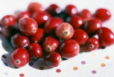 Cranberries: Friend and Foe to the Bladder  They help some people avoid getting bladder and urinary tract infections. But because they're acidic, these berries and juices made from them could spell trouble if you have OAB. Another perk of eating less acidic foods? It may help tame heartburn