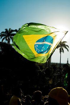 Brazilian Day Santa Barbara this Saturday at Tonic from Samba, Capoeira, Live Music and cultural celebrations! Belem, Samba, Aesthetic Images, Aesthetic Wallpapers, Brazil Flag, Brazil Brazil, Brazil Carnival, Learn Portuguese, Flag Photo
