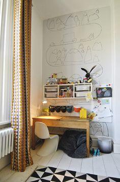 La chambre de Lucas - Coin bureau éclectique mélant vintage, rétro et contemporain