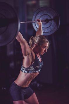 Johanni Hugo captured by Willem Foster #Crossfitgirl #strongwoman #powersnatch #SAchamp #girlsofsport