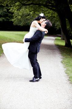 wedding dress, wedding gown, bride dress, bride hair style, wedding picture, wedding pic, bride and groom, wedding photography, brautkleid, hochzeitskleid, hochzeit fotografie, braut und bräutigam fotos,