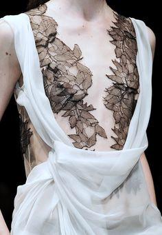 leaf bra dress detail <3