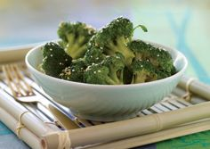 Sesame-Ginger Steamed Broccoli | Vegetarian Times