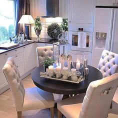 80 the best small dining room design ideas that you can try in your home 10 Christmas Dining Table, Christmas Table Centerpieces, Christmas Decorations, Holiday Decor, Dining Room Design, Interior Design Living Room, Living Room Decor, Kitchen Design, Dining Room Decor Elegant