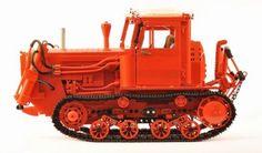 lego-belarus-dt-75-crawler-tractor