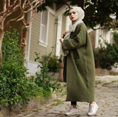 Long Skirt Fashion, Abaya Fashion, Modest Fashion, Fashion Outfits, Hijab Wear, Hijab Dress, Hijab Outfit, Stylish Hijab, Hijab Chic