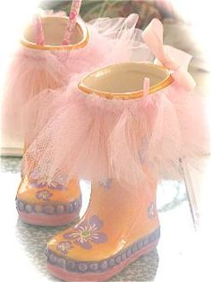 Kristen Rowles- I totally thought of your daughter when I saw these!!!  ;) xoxo