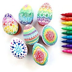 Learn how easy it is to make these bright and beautiful doodle Easter eggs.