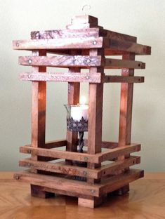 Small Wood Projects, Scrap Wood Projects, Diy Projects, Wooden Art, Wooden Crafts, Diy And Crafts, Rustic Lanterns, Diy Holz, Wood Lamps