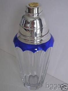 Faberge Grand Duke Cobalt Martini Cocktail Shaker. Sweet! Grand Duke, Vintage Bar, Art Deco Era, Cocktail Shaker, Barware, Cocktails, Blue And White, Mixers, Decanter