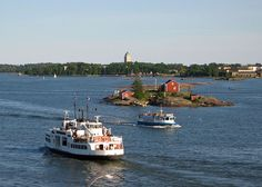 Suomenlinna ferry and sightseeing boat - Suomenlinnan Lautta Ja Sightseeing -alus - Helsinki Picture Gallery - Photo Gallery - Images