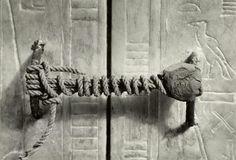 Ce qui fermait le tombeau de Toutankhamon