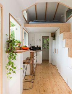 Auckland couple build tiny home in Henderson Valley Auckland couple build tiny home in Henderson Valley<br> Joining the 'tiny house' movement sent this couple on a DIY journey that led them from London to an idyllic corner of Auckland's Henderson Valley Tiny House Movement, Small Room Design, Tiny House Design, Tiny House Living, Small Living, Living Room, Tiny House Bedroom, Minimaliste Tiny House, Quinta Interior