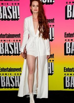 Madelaine Petsch & Cole Sprouse Bring 'Riverdale' To Comic-Con: Photo Cole Sprouse whips out his best red carpet pose while arriving for Entertainment Weekly's Comic-Con Bash held at Float, Hard Rock Hotel on Saturday night (July… Cheryl Blossom Riverdale, Riverdale Cheryl, Riverdale Cast, Riverdale Series, Madelaine Petsch, Bash, Entertainment Weekly, Redheads, Red Hair