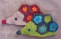 Hedgehog purse pattern by Aniko Vavro.