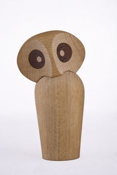 Owl | Paul Anker's interpretation from 1960mThe owl can embody a variety of emotions. The head is attached to the body by a magnet, which gives it flexibility to be tilted and rotated in all directions. The carefully crafted large brown eyes in wenge wood give a smooth touch and reflect a keen insight. The owl has been handcrafted by Paul Anker himself for years and is still made by hand at a small wood shop in Denmark in Danish oak wood.