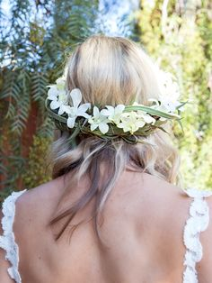 Learn How To Make Stunning Flower Crowns, The Easy Way!