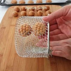 gateau algerien `: nakache Rodjendanske Torte, Healthy Peanut Butter, Peanut Butter Balls, New Years Cookies, Holiday Bread, Savoury Biscuits, Bread Art, Pastry Art, Cute Cookies