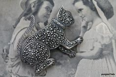 Vintage 925 Sterling Silver & Marcasite Playful Kitty Cat Brooch Pin