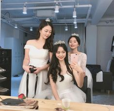 Best Friend Couples, Boy And Girl Best Friends, Korean Beauty Girls, Korean Girl, Ulzzang Couple, Ulzzang Girl, Korean Best Friends, Girl Friendship, Girl Korea