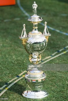 the-1996-wills-cricket-world-cup-trophy-pictured-at-the-opening-in-picture-id121159386 (685×1024) World Cup Trophy, Cricket Sport, Cricket World Cup, Neymar Jr, Images, Football, Awards, Pictures, Wallpaper