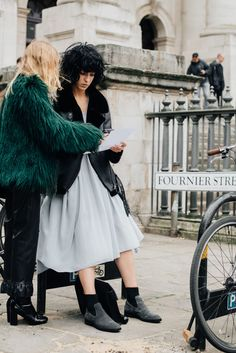 London's finest. For this season's styling updates, grab a copy of our tip sheet by signing up to irislillian.com