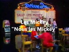 """Les Mickey chantent """"Nous les Mickey"""" - YouTube"""