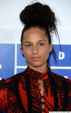 The Anger Provoked By Alicia Keys Not Wearing Makeup to the VMAs is Sadly Not Surprising