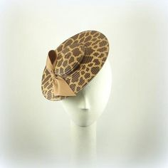 Saucer headpiece