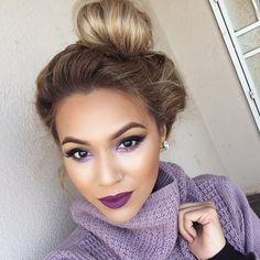 KeybeautyCaptionmy lips are vino lip liner and heroin lipstick both @maccosmetics the purple shadow is stars and rocket also my mac