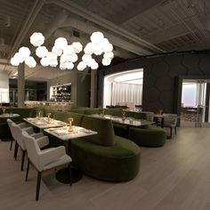 """Dans le Massachussets, aux Etats-Unis, le designer Matthieu Lehanneur a imaginé le """"Café ArtScience"""", un établissement situé entre les universités d'Harvard et du MIT. Pour s'adapter à cette clientèle composé des futurs élites américaines, le designer a pensé ce lieu comme un espace d'échange regroupant un restaurant, un auditorium, un bar, un concept shop et une galerie d'art."""