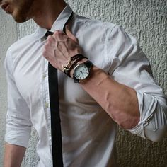 Bad Boy Aesthetic, Character Aesthetic, Hand Veins, Fille Gangsta, Boy Fashion, Mens Fashion, Portrait Photography Men, Male Hands, Poses For Men