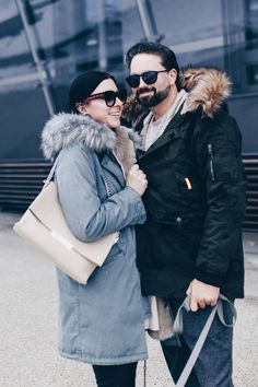 Choose OUTDOOR down packed parkas, popular down parkas in plenty of diffrent shades of color. Parka Outfit, Fur Vest Outfits, Girl Outfits, Sweatpants Outfit, The Lunar Chronicles, Sporty Chic Style, Look Man, Football Girls, Mode Blog