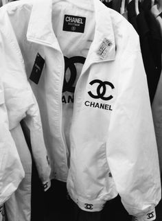 coat black and white chanel windbreaker atropina jacket white chanel style jacket bomber jacket designer boutique vintag Mode Outfits, Casual Outfits, Fashion Outfits, White Outfits, Hipster Outfits, Fashion Pants, Fashion Tips, Dope Fashion, Womens Fashion