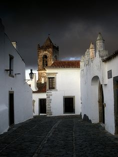 Monsaraz, Portugal photo by Joao Martinho